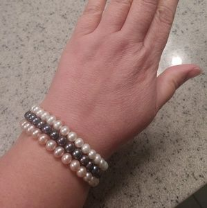 Jewelry - Freshwater pearl stretch bracelet set